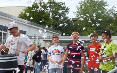 Walking on sunshine – 60 Jahre Schrenzerschule
